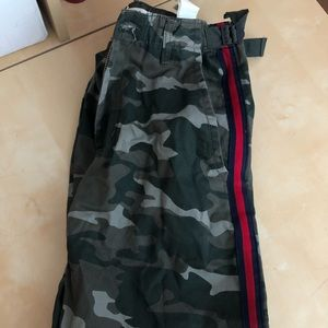 Brand new camo joggers from urban planet size s